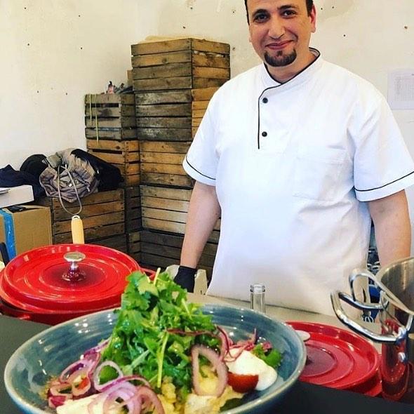 Erst bei @ottolenghi in London, jetzt bei uns in der neuen Factory Kitchen @factoryberlin Görlitzer Park: Willkommen im Team, lieber Kamel! #factoryberlin #factorygoerlitzerpark #veggiefood