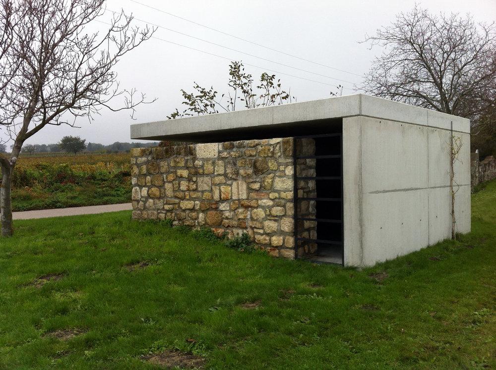 gaupenraub_mausoleum-02_aussen.jpg