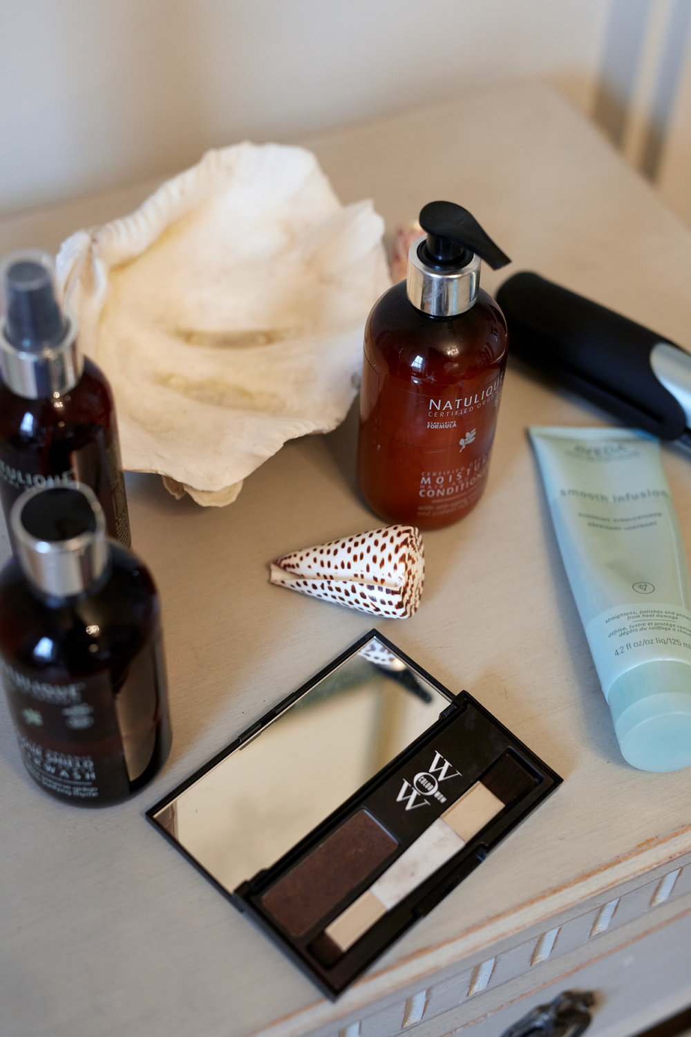 Holly White, Natural Hair Care, Cruelty Free beauty,
