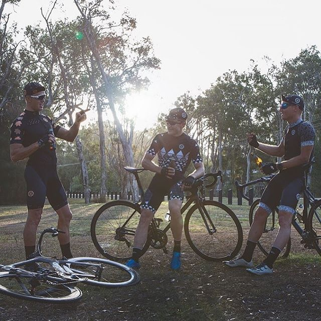 Happy Friday...we hope the weekend is filled with fun on and off the bike... . . . @thetribum @kentc181  #mates #bikes #beers #cycling #artofendurance #bespoke #ride