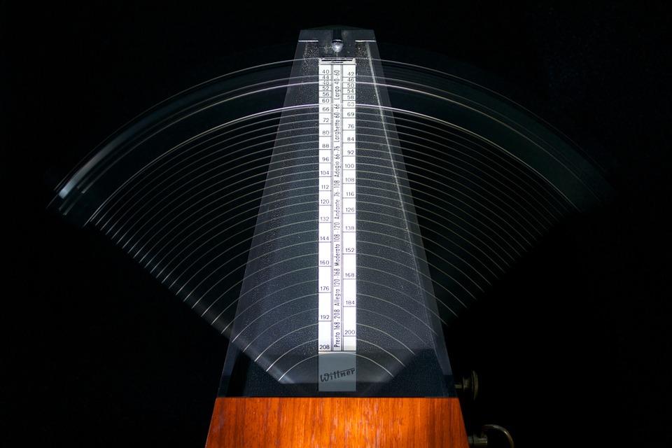 metronomes-812679_960_720.jpg