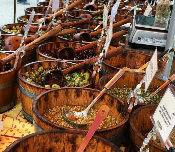 Incredible array of tasty olives, pesto dips and much more from @borougholives!⠀ ⠀ 📸@squareshot.eats⠀ ⠀ #victoriaparkmarket #victoriapark #londonmarkets #eastlondon #olives #farmersmarket