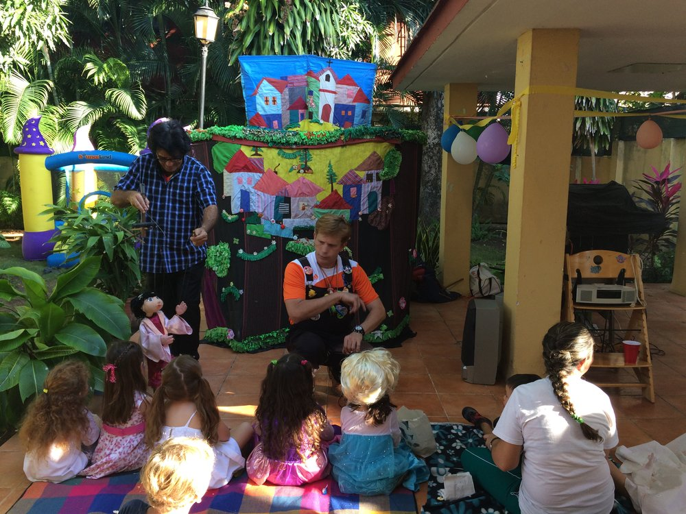 Angel Kike (Kee-Kay) Diaz, the Jim Henson of Cuba, performs a puppet show for our kids' birthday party.