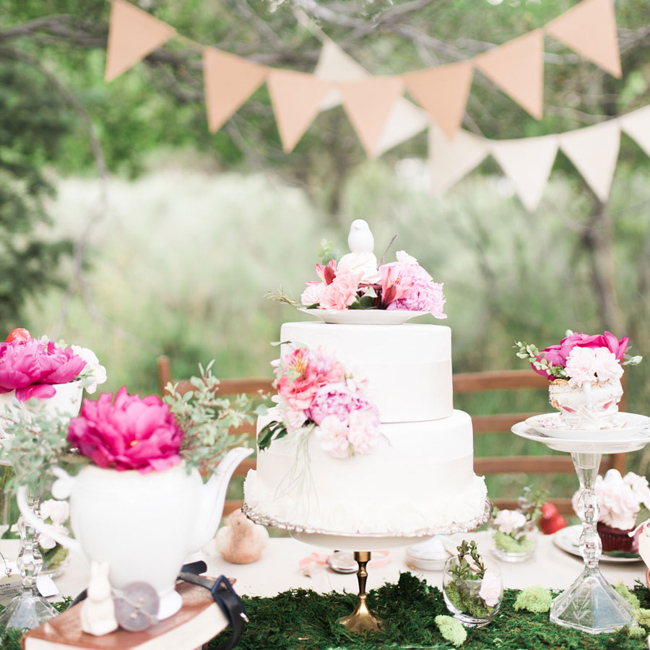 Alice in Wonderland themed inspiration shoot Want That Wedding Kristin Kay Photography