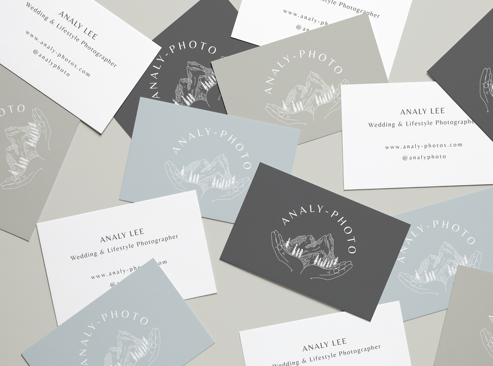 Realistic Business Cards MockUp 4.png