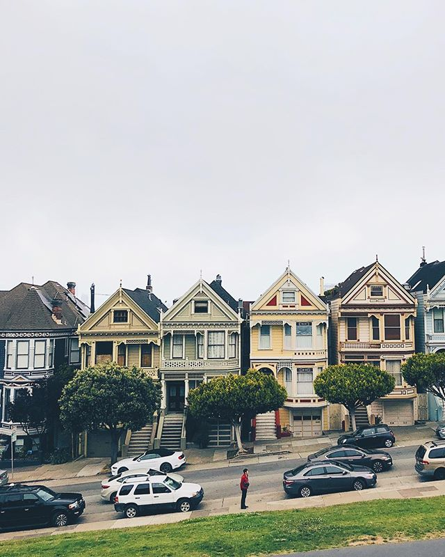 🏠🏠 |  hit up a bunch of sf landmarks for @pete_k92 & @toeytae's 24 hours in the city! missing these two already and having so much withdrawal from the weekend 😢 in other news, can't believe it's been a year since i moved here 😮  #paintedladies #sf #california #exploremore