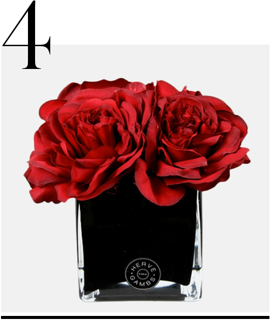 Red-Couture-Large-Roses-Small-Black-Glass-Cube-Herve-Gambs-red-room-decor-ideas-top-ten