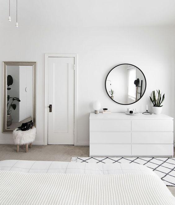 10-white-bedroom-sets.jpg