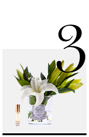 Lily-Bulbs-in-Clear-Glass-Ivory-Côte-Noire-white-artificial-flower-arrangements-top-10