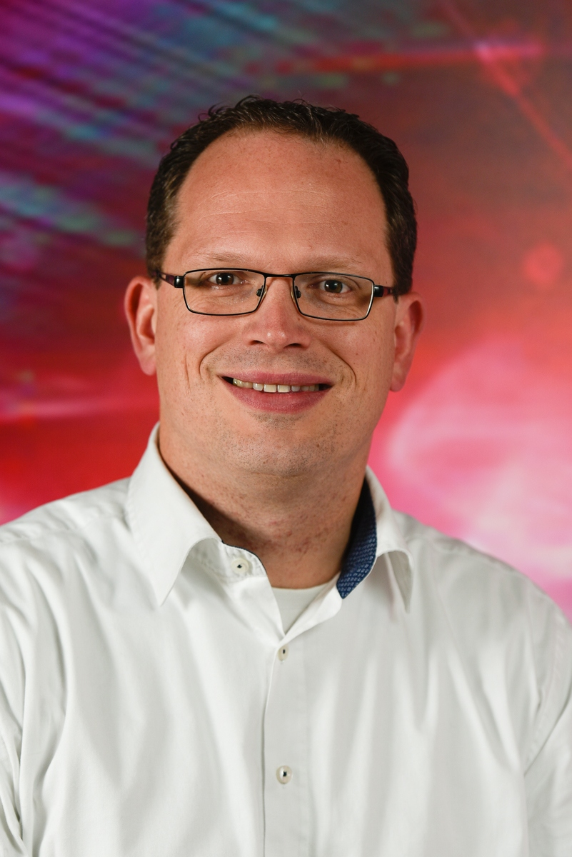 Arne Leinse    CCO at  LioniX International.    He has been closely involved in the invention and development of the TriPleX™ platform   and (co)authored over 100 articles in the last years. He has been Vice-President of LioniX BV in recent years. Since the establishment of LioniX-International in 2016 he is active in the role of Chief Commercial Officer.