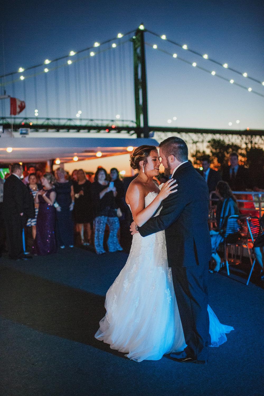 - Ovation Yacht CharteR WEDDING