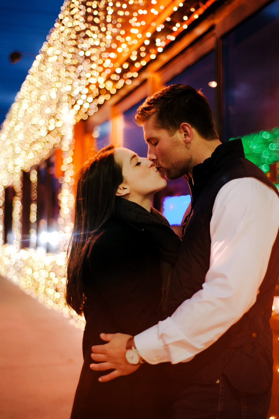 -      HOLIDAY ROCHESTER HILLS ENGAGEMENT