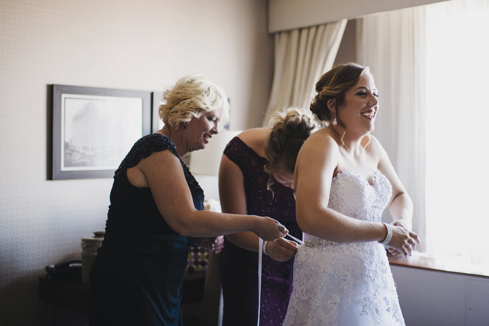 ovation-yacht-charters-wedding-photographer-010.jpg