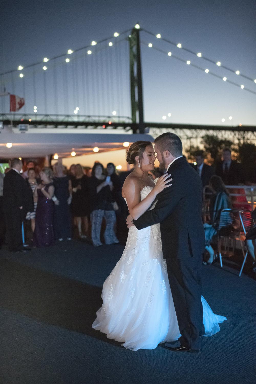 ovation-yacht-charters-wedding-photographer-032.jpg
