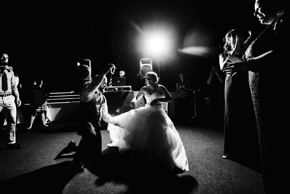ovation-yacht-charters-wedding-photographer-033.jpg