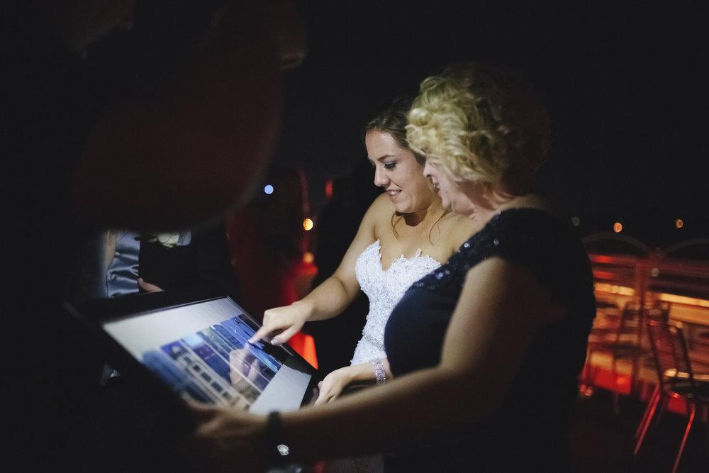 ovation-yacht-charters-wedding-photographer-034.jpg