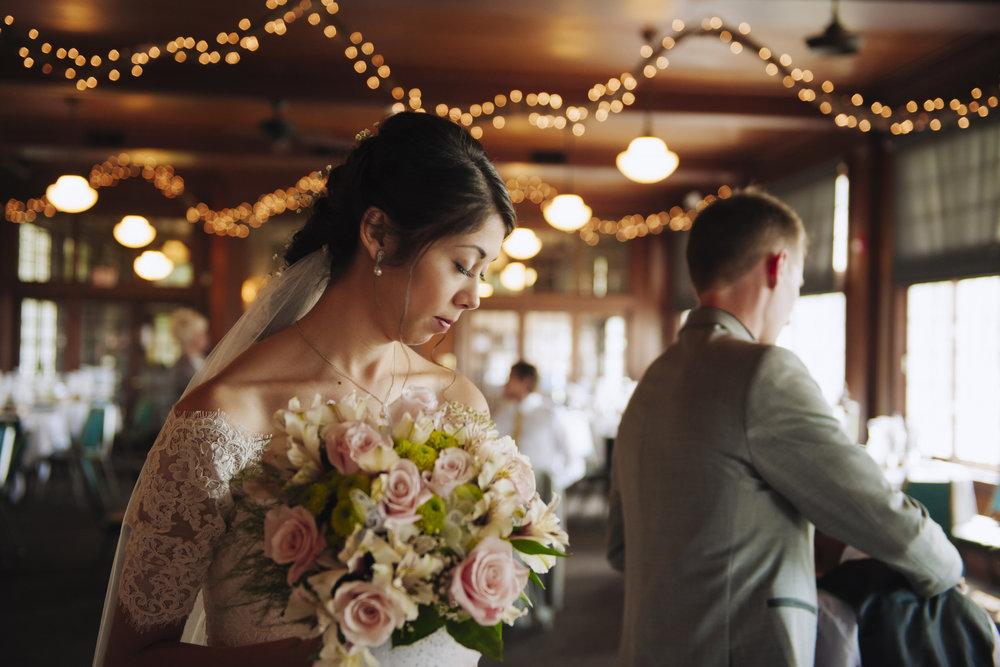 waldenwoods-resort-michigan-wedding-photographer-01.jpg