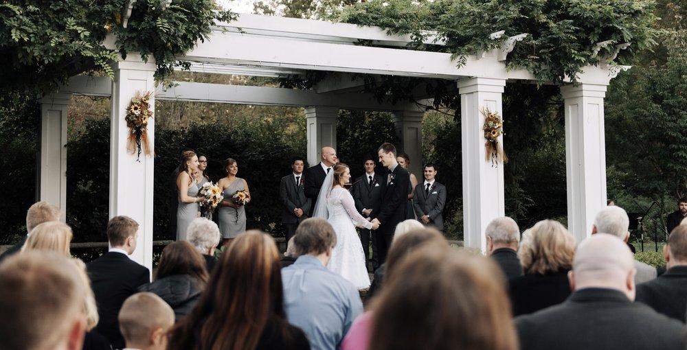 - MICHIGAN WEDDING PHOTOGRAPHERhanna + ryan