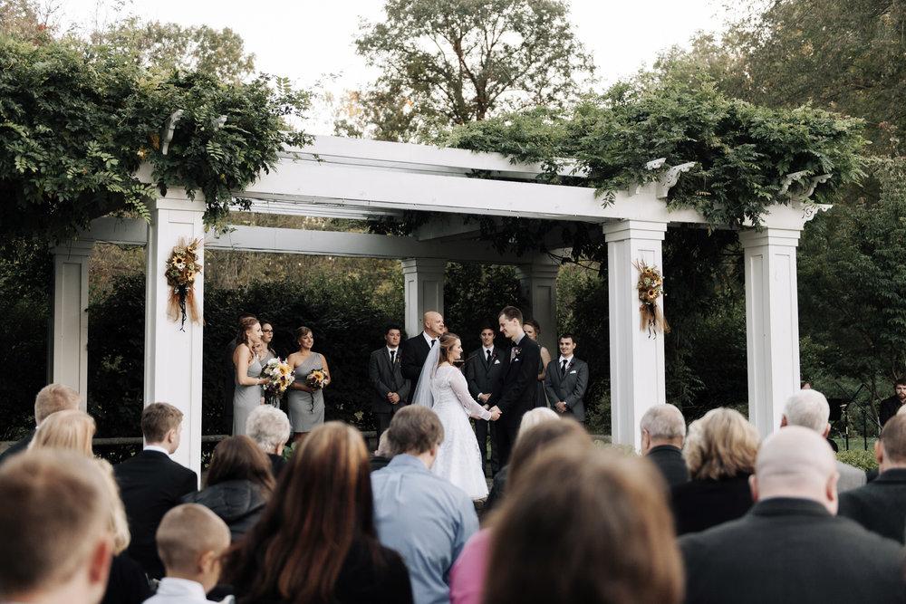 wellers-carriage-house-wedding-photographer-saline-michigan-010.jpg