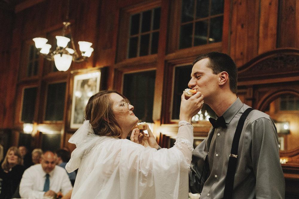 wellers-carriage-house-wedding-photographer-saline-michigan-016.jpg