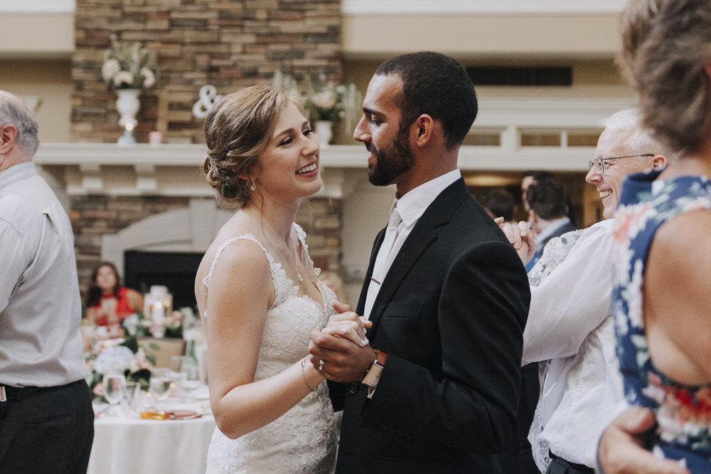 oakhurst-country-club-wedding-photographer-clarkson-michigan-064.jpg
