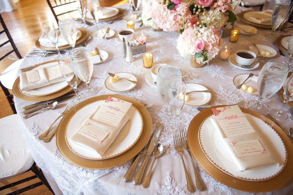 lovett-hall-wedding-photos-at-the-henry-ford-michigan-017.jpg