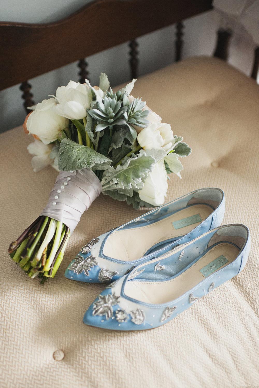 lafayette-grande-wedding-photographer-pontiac-michigan-002.jpg