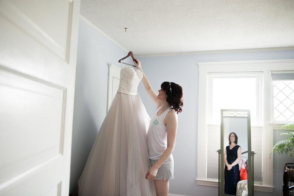 lafayette-grande-wedding-photographer-pontiac-michigan-004.jpg