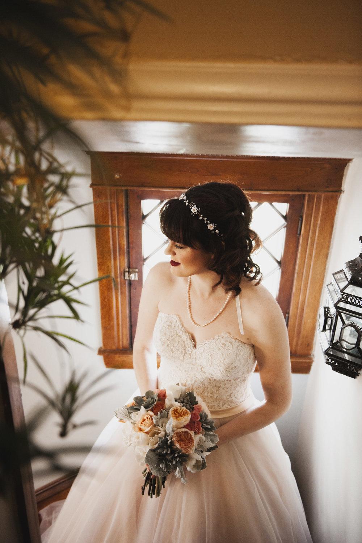 lafayette-grande-wedding-photographer-pontiac-michigan-006.jpg