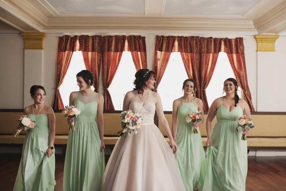 lafayette-grande-wedding-photographer-pontiac-michigan-012.jpg