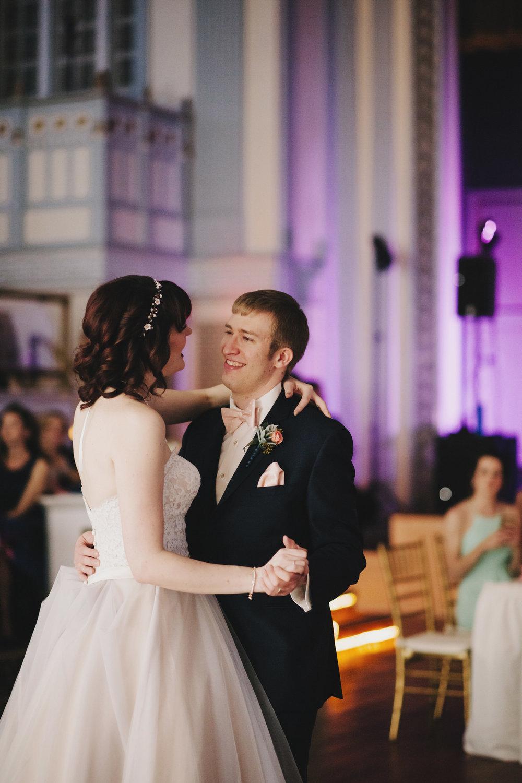 lafayette-grande-wedding-photographer-pontiac-michigan-014.jpg