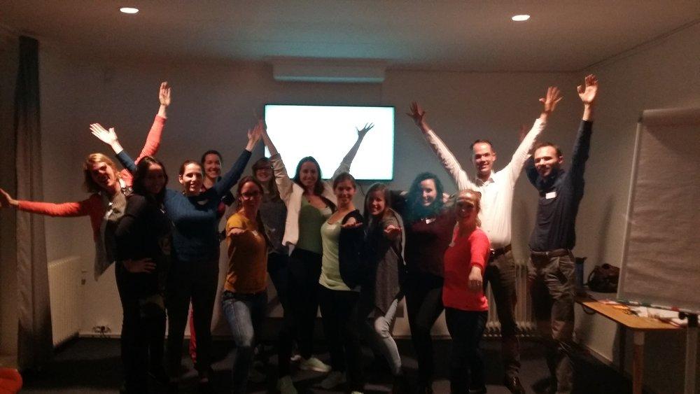 Change Your Rhythm - 8 december 2016 -Met onze workshop Ontcijfer jouw houdinglieten we Young Professionals zien hoe je met de juiste houding zelfvertrouwen, energie en plezier (op je werk) kan winnen!