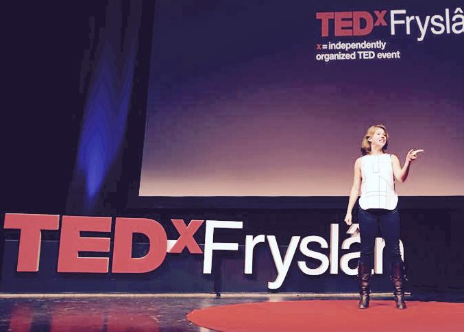 """TEDx Fryslan - 4 oktober 2018 - Wij gaven twee energizers tijdens TEDx Fryslan. Deze editie had het thema """"Shut up and dance"""". Daarom brachten wij de zaal met plezier in beweging!"""