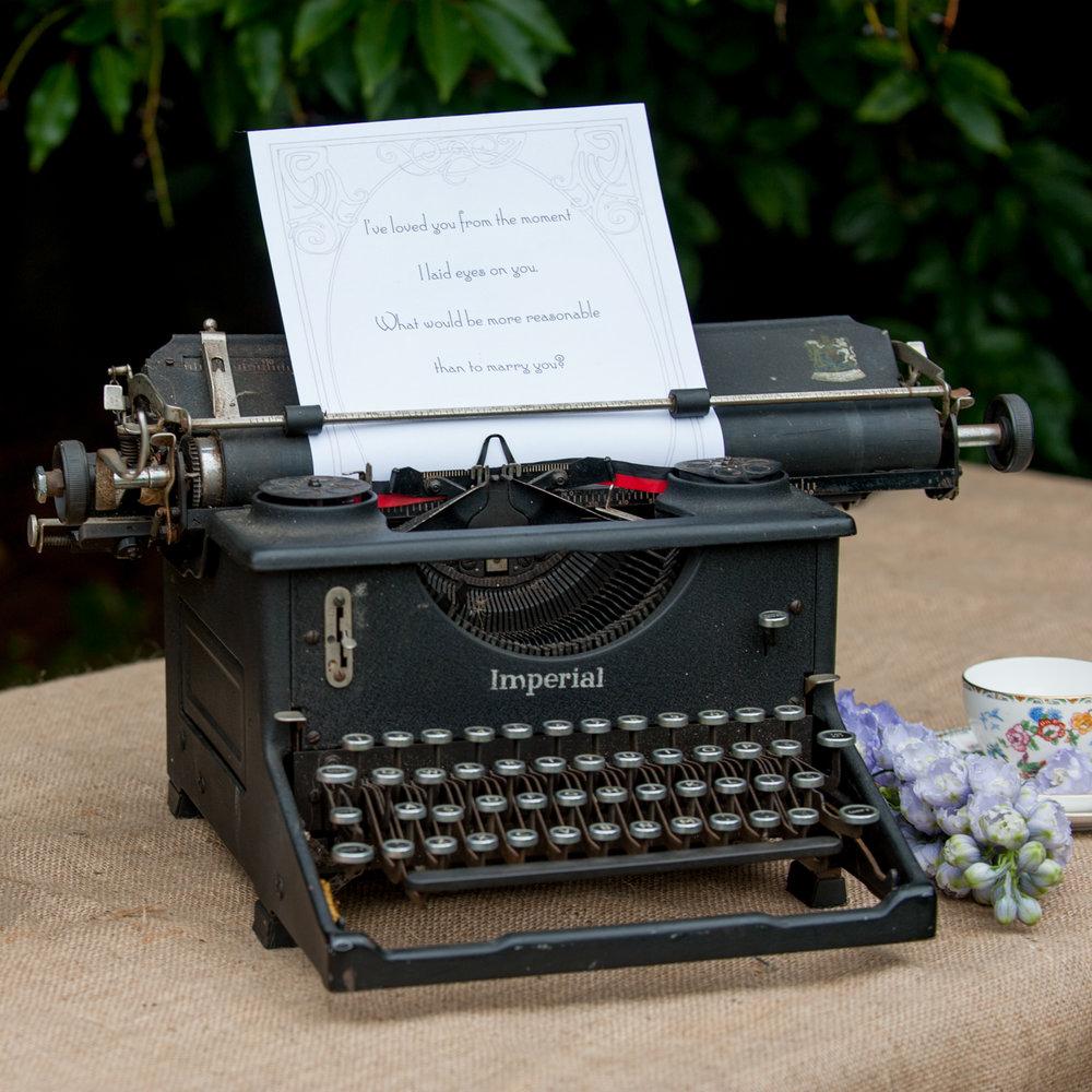 Vintage typewriter - £7.50