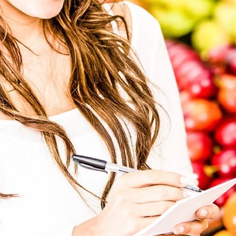 It's #healthtiptuesday! Does food shopping make you crazy? It can definitely be an overwhelming experience. That is why I wrote down all the must haves that should be in your cart! You can also sign up for my FREE ultimate shopping guide! Link in profile! #wholetrition #whatisbeautiful #skinnyisntbeautifulhealthyis #morganville #paleo #foodshop #lifestyle #fitness #nutrition #health #healthy #moms #women #hiit #cardio #wholefoods #marlboro #fatloss #weighloss