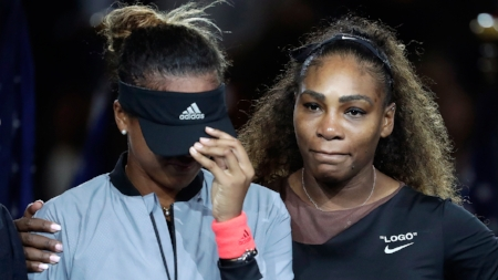 naomi-osaka-is-hugged-by-serena-williams.jpg