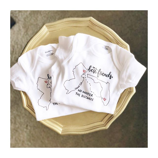 These little bestie onesies are selling like crazy! ❤️Customize one for your favorite friends! #bestfriendgoals #bestiesforlife #bestfriendoutfit #handlettered #handlettering #handmade #shoplocal #shopsmall #colbieandco