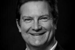 <b>Finn Schumacker</b><br>Musikchef/CEO<br>Odense Symfoniorkester