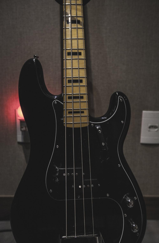Baixo - Squier Fender