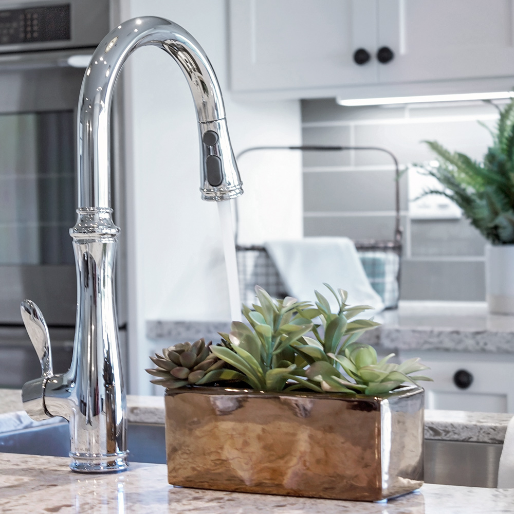 Chrome Kitchen Faucet With pull Down Sprayer