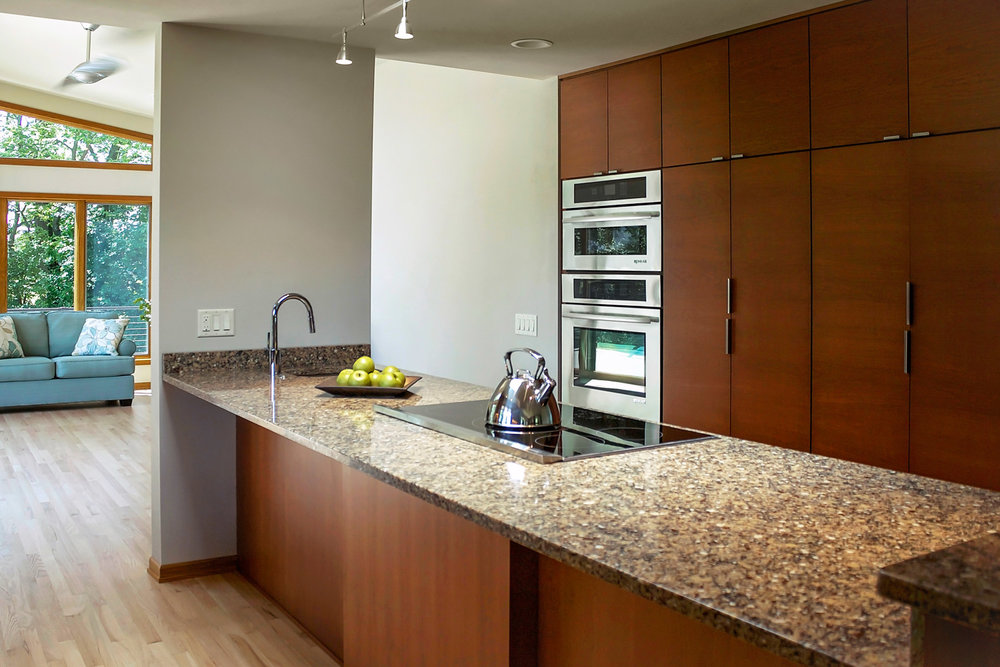 Full Face Kitchen Cabinets with Modern Hardware