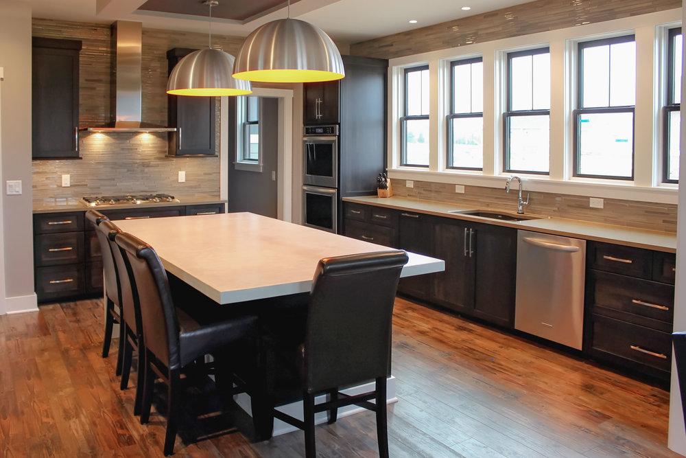 Classic Contemporary Kitchen