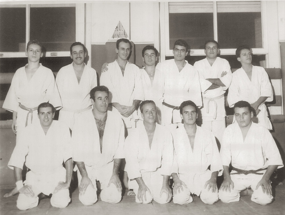 The original Academia Gracie de Jiu-jitsu where Grand Master Pedro Valente Sr. (bottom row 2nd from right to left) trained in the 1950s. Until 1967, students did not receive any belt promotions. Instructors wore light blue belts and Professors earned the coveted Navy Belt.