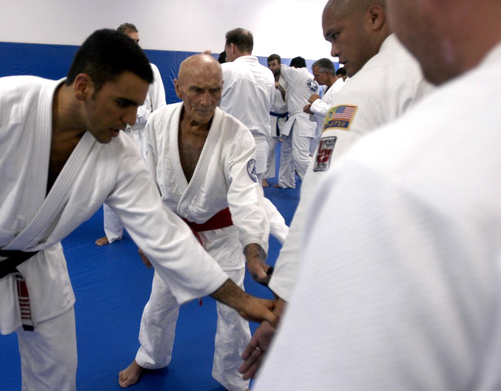 Grandmaster Helio Gracie and Pedro Valente teaching in North Miami Beach