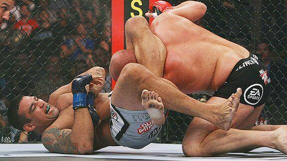 Fabricio Werdum finishes Emeilianenko Fedor in Strikeforce with a triangle choke June 26, 2010.