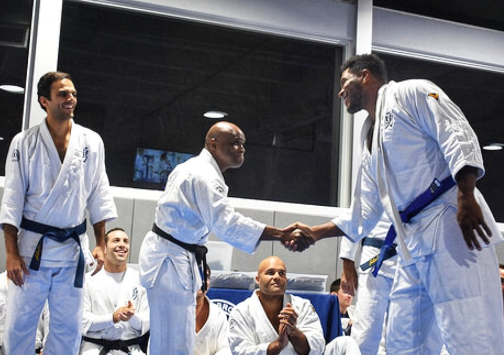 Miami Dolphins tide end, Julius Thomas, received his VB blue belt.
