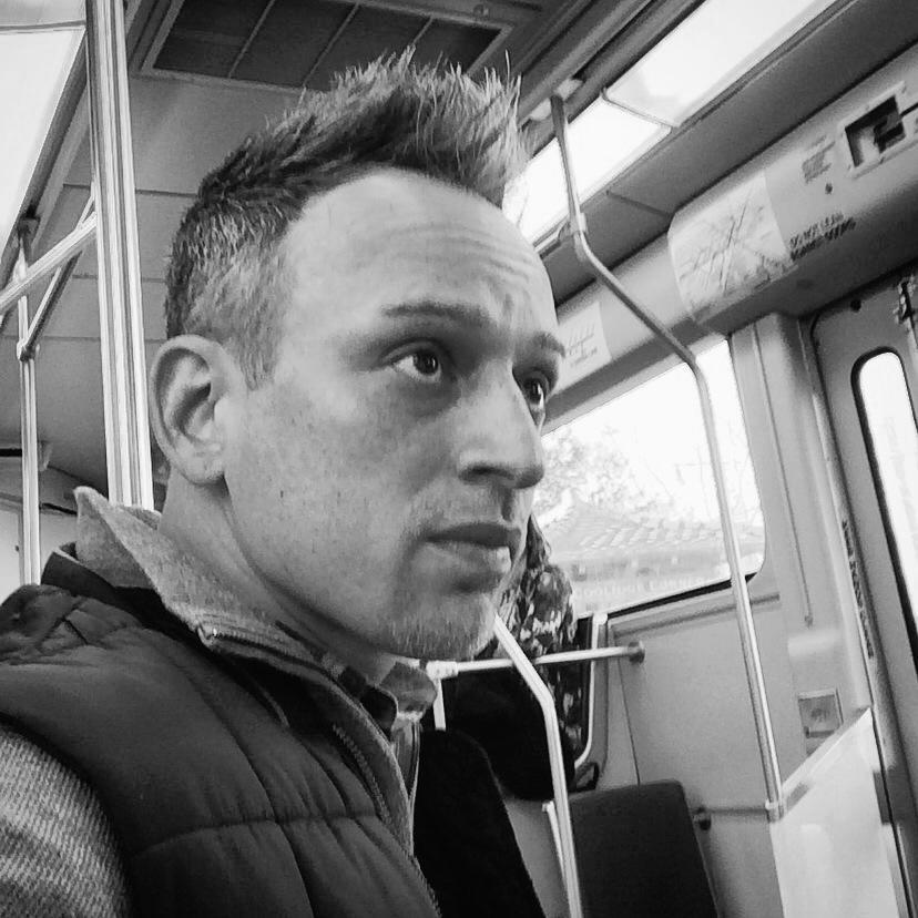 Carlos Perez : Associate Creative Director