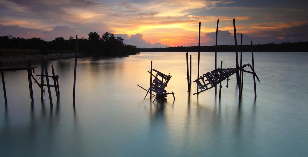 lake_dock_crack.jpeg