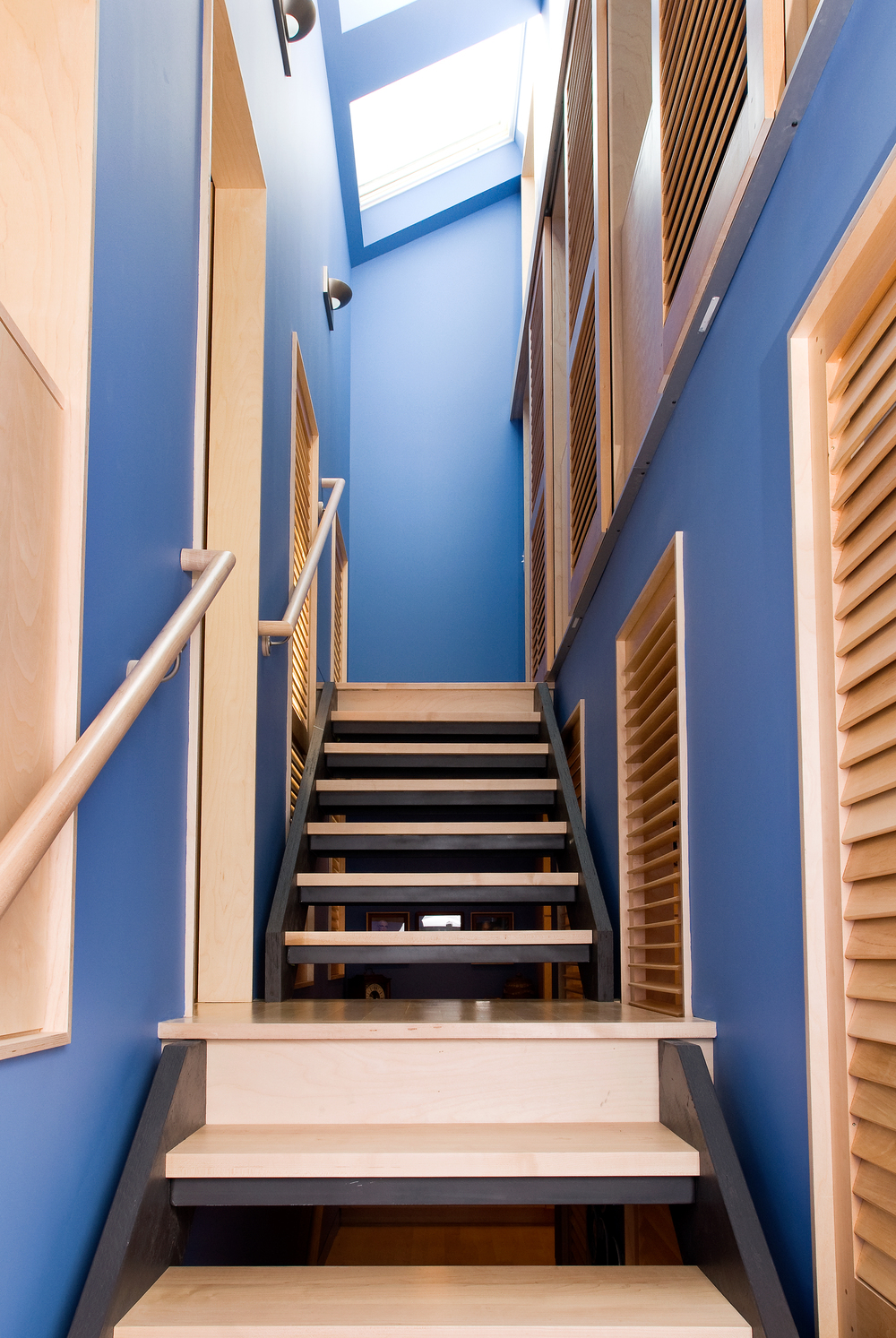 stair with sliding privacy panels