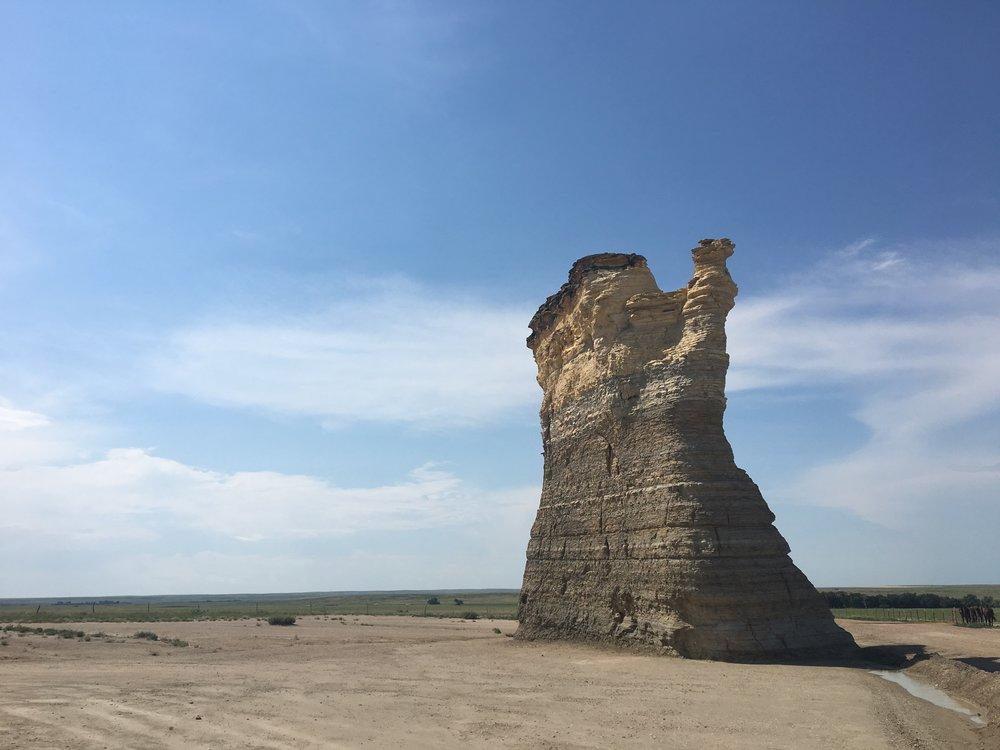 Monument Rocks 01.JPG